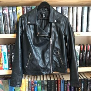 Forever 21 Black Faux Leather Motorcycle Jacket M